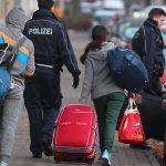 Deutschland schiebt immer weniger ausreisepflichtige Ausländer ab