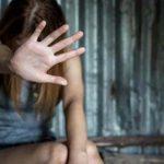 Stuttgart: Dunkelhäutiger Mann versucht Frau zu vergewaltigen