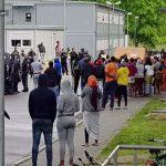 Großeinsatz der Polizei nach Fund von toter Frau in Ankerzentrum