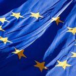Künftig bis zu drei Jahre Haft für die Beschädigung oder Zerstörung einer EU-Flagge