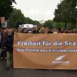 Linke wollen alle Migranten aus Libyen evakuieren und hierher bringen: Demos für Seenotrettung