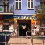 Berlin: Staatsfunk trifft auf Realität: rbb Kamerateam in Rigaer Straße von Linken angegriffen