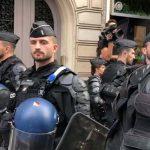 Polizisten-Demo in Paris: Wut über hohe Selbstmordrate und Überstunden