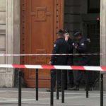Messerattacke in Paris: Ermittlungen wegen Terrorverdachts