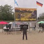 Berlin: 140 Polizisten für 1-Mann Demo von Pegida