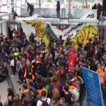 """Ökofaschisten der Gruppe """"Extinction Rebellion"""" besetzen Pariser Einkaufszentrum"""