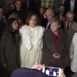 Nur weil der Täter von Halle Deutscher war! – Merkel besucht Synagoge in Berlin