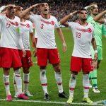 Sie haben es wieder getan: Türkische Nationalspieler zeigen strammen Militär-Gruß
