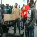 Italien: Illegale Afrikaner fordern Papiere um im Land leben zu dürfen