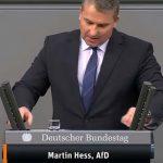Martin Hess: Kurskorrektur in der Migrationspolitik statt Messerverbotszonen!