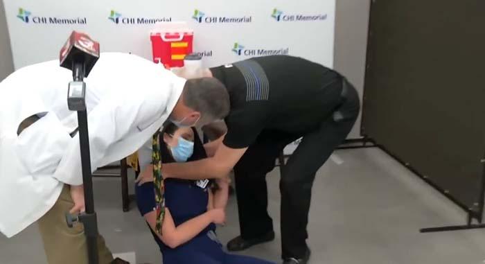 Corona: Krankenschwester kollabiert nach Impfung   Politikstube