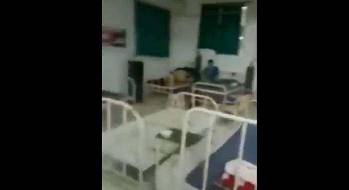 Leere Kliniken in Indien